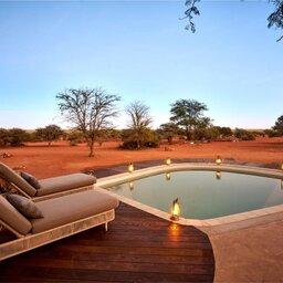 Zuid-Afrika-Tswalu-Kalahari-Private-reserve-the-motse-safarilodge-wetu-privegedeelte