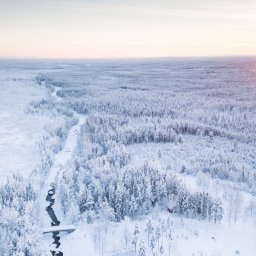 Zweden-Lapland-Harads-Loggers-Lodge-omgeving-cabin-luchtfoto