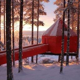Zweden-Lapland-Harads-treehotel-johan-jansson-blue-cone