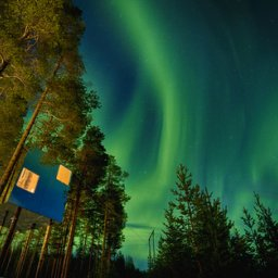 Zweden-Lapland-Harads-treehotel-johan-jansson-mirror-cube-noorderlicht