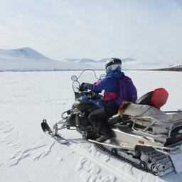 Zweden-Lapland-Harads-treehotel-johan-jansson-sneeuwscooter 2JPG
