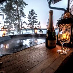 Zweden-Lapland-Kiruna-Fjellborg-Arctic-Lodge-privehottub